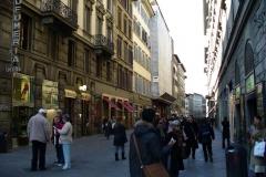 shopping_florence_Via_dei_Calzaiuoli