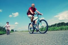 travelling_children_bikes